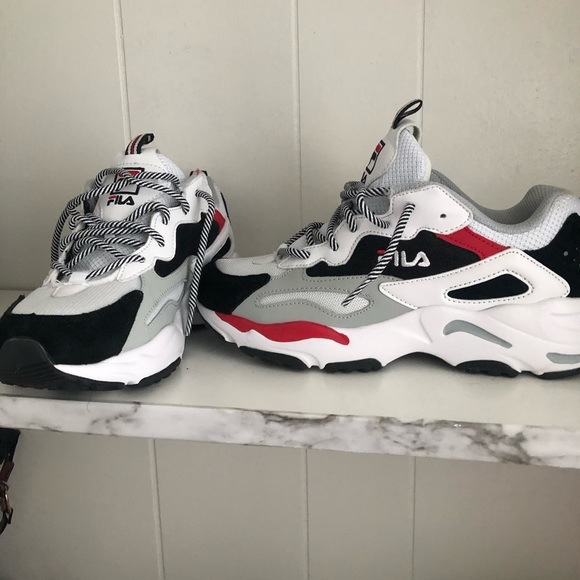 Fila Shoes - Fila size 7 1/2 sneakers